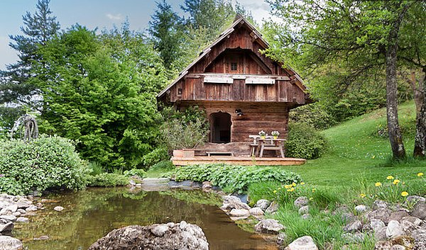 25 romantic cottage carinthia austria 25 incredible tiny homes available on airbnb. Black Bedroom Furniture Sets. Home Design Ideas