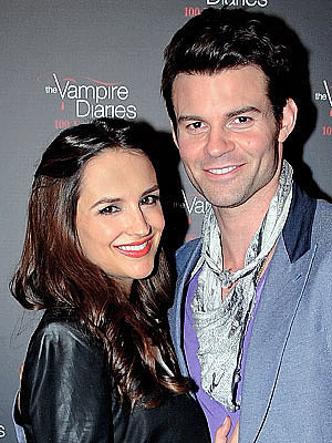 It's a Boy for Rachael Leigh Cook and Daniel Gillies