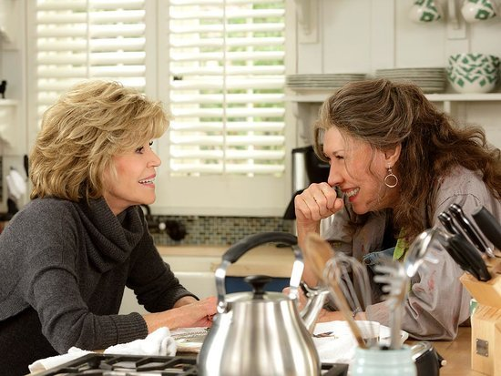 Watch Jane Fonda and Lily Tomlin Get Dumped in Netflix's Grace and Frankie Trailer (VIDEO)