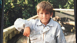 Ryan Reynolds Posts Adorable Throwback Pic