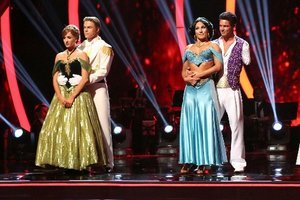 'Dancing with the Stars' Live Blog: Spring Break and the Team Dances