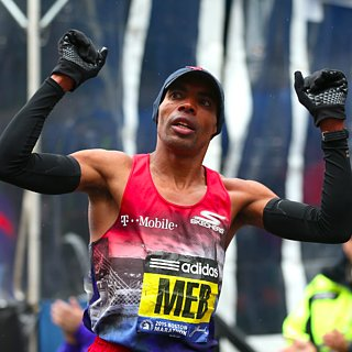 Meb Keflezighi Surprises Runner at Boston Marathon Finish