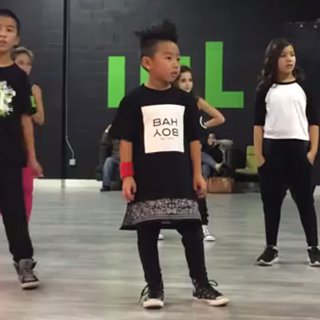 "Boy Dances to ""Uptown Funk"""