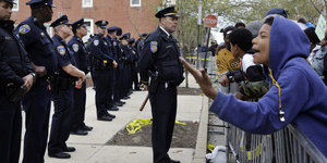 Freddie Gray Protesters Aim To 'Shut Down' Baltimore Saturday With Biggest Rally Yet