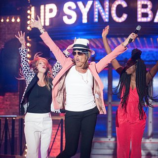 "Hoda Kotb Sings ""Uptown Funk"" on Lip Sync Battle"
