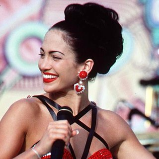 Jennifer Lopez to Honor Selena at 2015 Premios Billboard