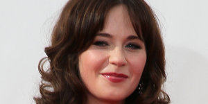 Zooey Deschanel Talks Body Image In Cosmopolitan