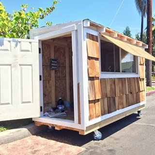 A Man Builds a Tiny Home For a Homeless Woman