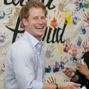Prince Harry Paints Royal Photographer in New Zealand