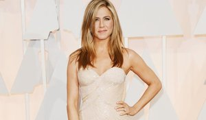 Jennifer Aniston Joins Instagram! (Sort Of)