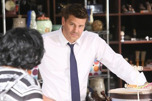 [Video] 'Bones' Sneak Peek: Missing Booth and a Tense Conversation at the Diner