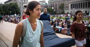 Curators Weigh In on Whether (and How) They'd Display Emma Sulkowicz's Protest Mattress