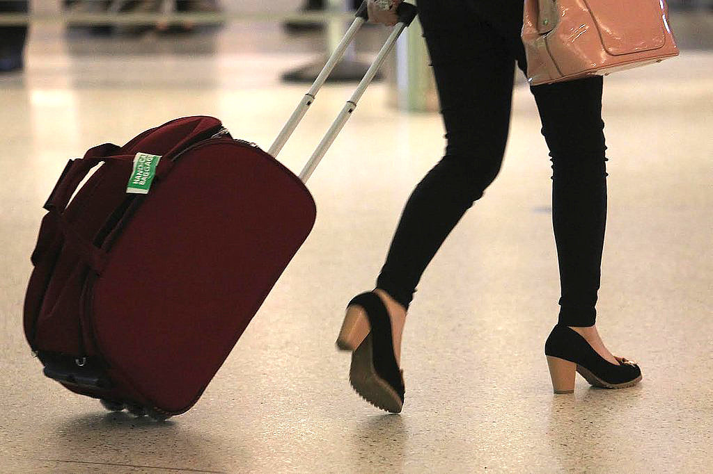 Carry-On Packing Tips -- Lists to Help You Find a basic list that fits your travel style, then modify it so that you're comfortable with what you take. If you end up traveling often, you'll find you develop your system and packing light will get easier with each trip.