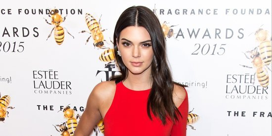 Kendall Jenner Looks Red Hot At Fragrance Foundation Awards