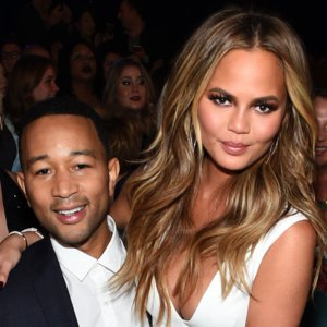 John Legend and Chrissy Teigen are Sell Apartment
