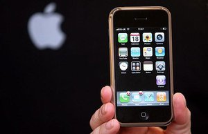 8 First Generation iPhone Struggles We No Longer Have To Worry About