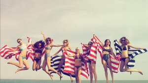 Studs, Stars & Swans: How T.Swift Celebrates July 4th