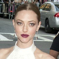 "Amanda Seyfried worries her ""eggs are dying off"""