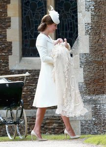 How To Do Summer Whites Like A Royal