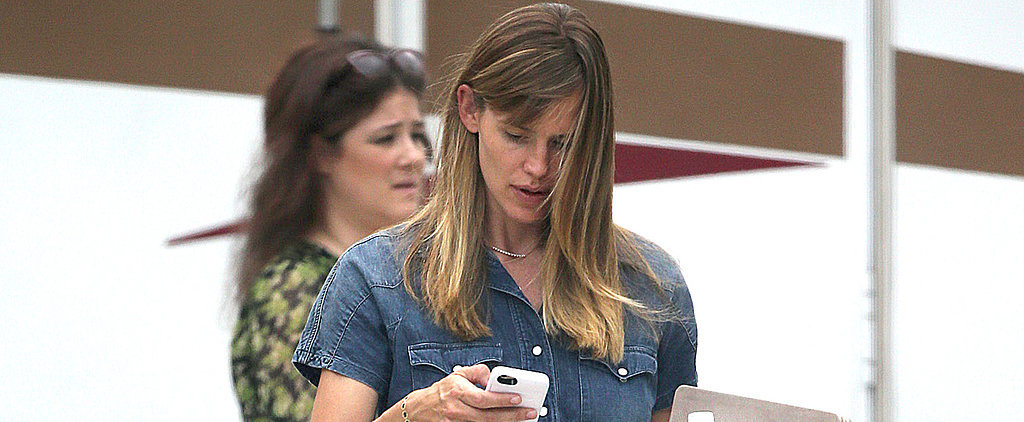Exclusive: Jennifer Garner Wears Her Wedding Ring After Split