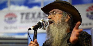 Si Robertson, 'Duck Dynasty' Star, Says Atheists Don't Exist