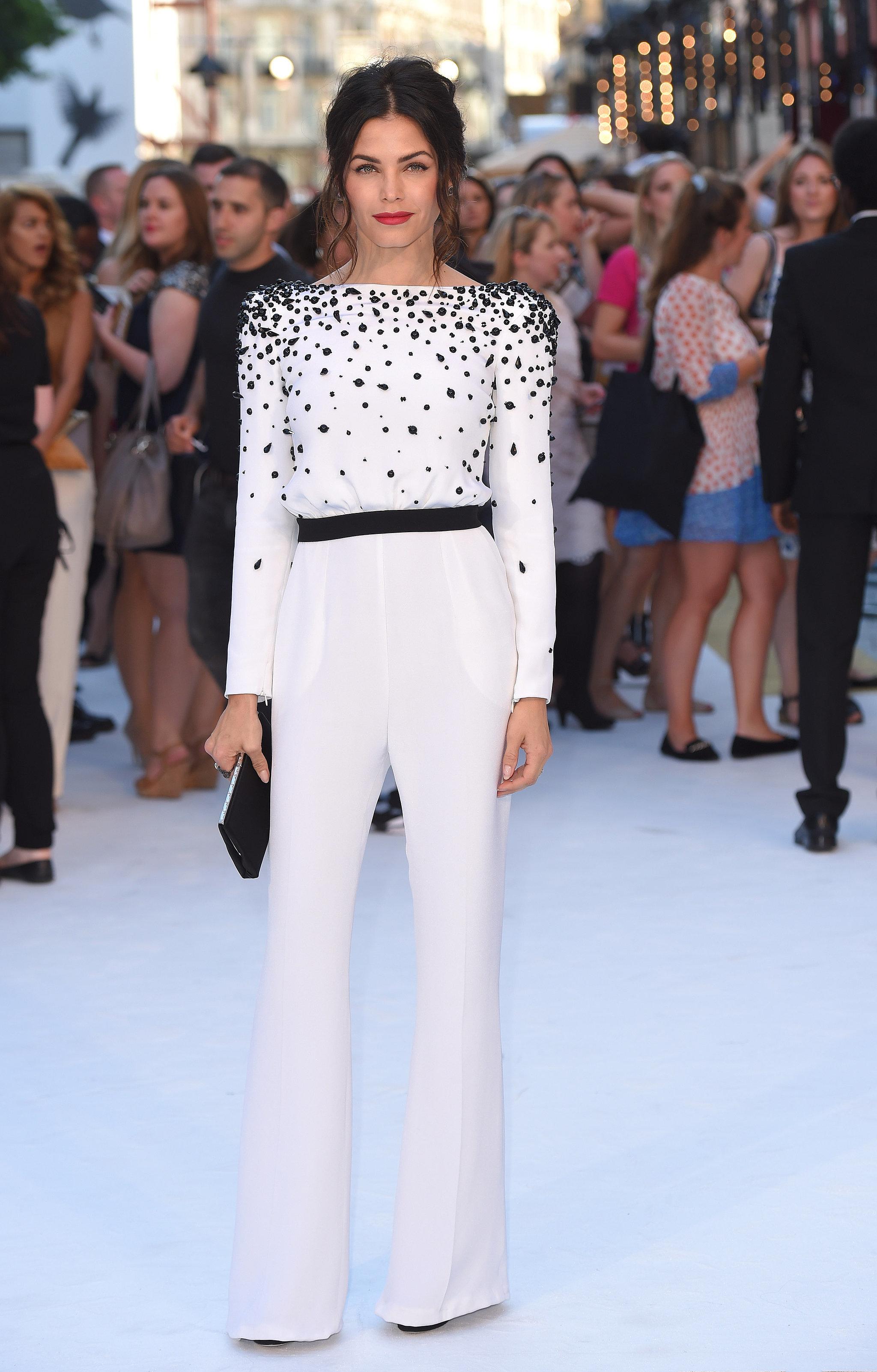 Jenna Dewan Tatum shows off taut post-pregnancy figure