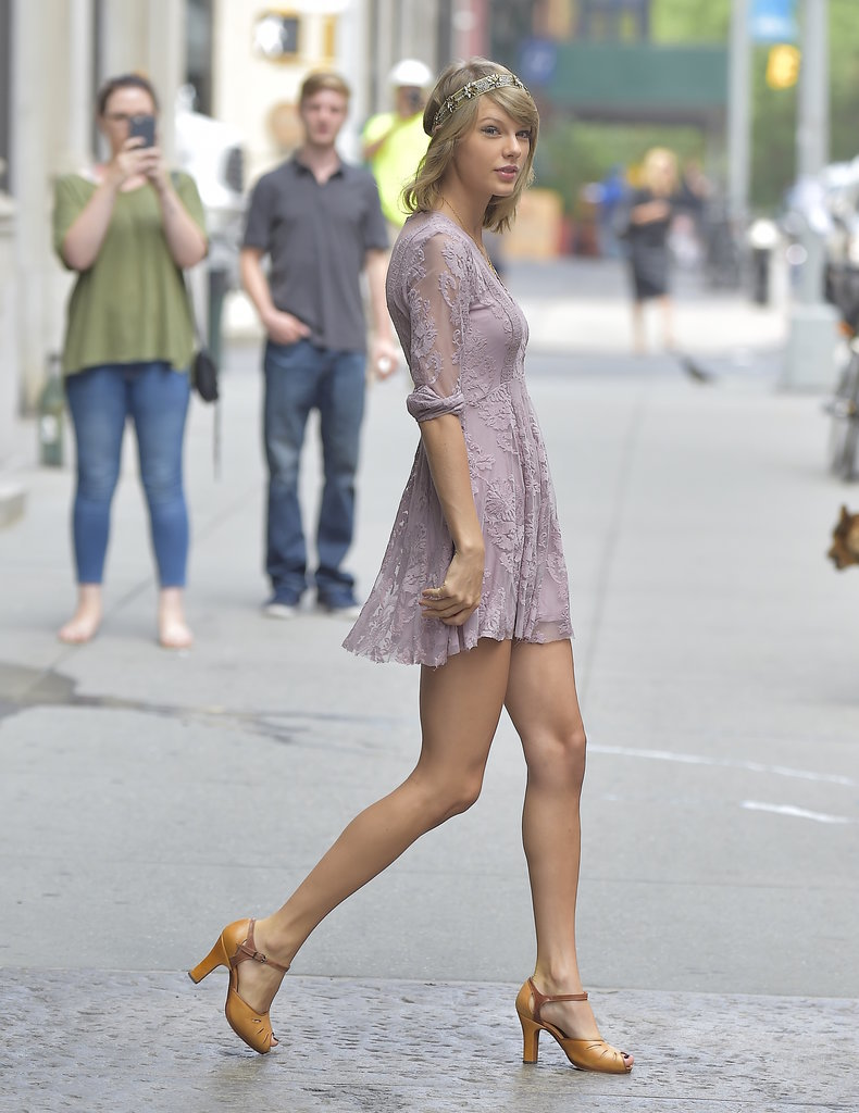 Taylor Swift Wearing Purple Lace Dress And Headpiece Popsugar Fashion
