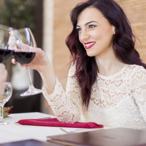 How to Prevent Red Wine From Staining Teeth