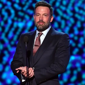 #BenAffleck is still wearing his wedding ring???