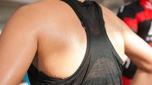 4 Ways To Deal With Back Sweat