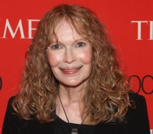 Mia Farrow Puts Lion-Killing Dentist's Address on Twitter, Faces Internet Backlash