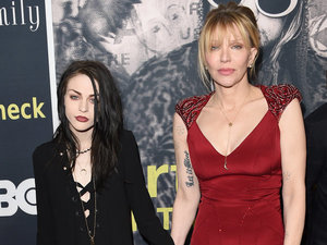 Courtney Love And Frances Bean Fight To Keep Kurt Cobain Death-Scene Photos Sealed