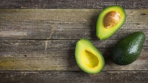8 Must-Try Avocado Beauty Hacks