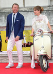 'Guy Ritchie' from the web at 'http://media3.popsugar-assets.com/files/2015/08/08/770/n/1922398/8e9e289721693225_GettyImages-483360924_masterPFtxAs.150square/i/Guy-Ritchie-Jacqui-Ainsley-Red-Carpet-Pictures.jpg'