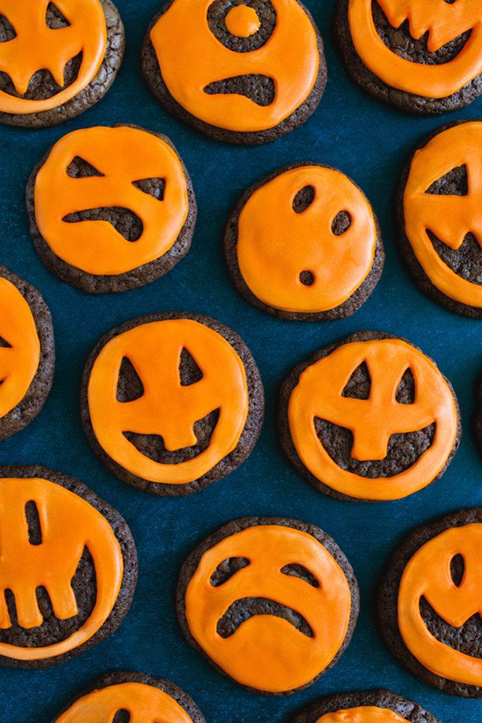 Jack-o'-Lantern Chocolate Cookies
