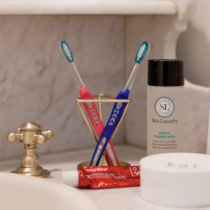 18 Easy Budget Decorating Ideas That Won T Break The Bank: Cool Uses For Toothbrushes