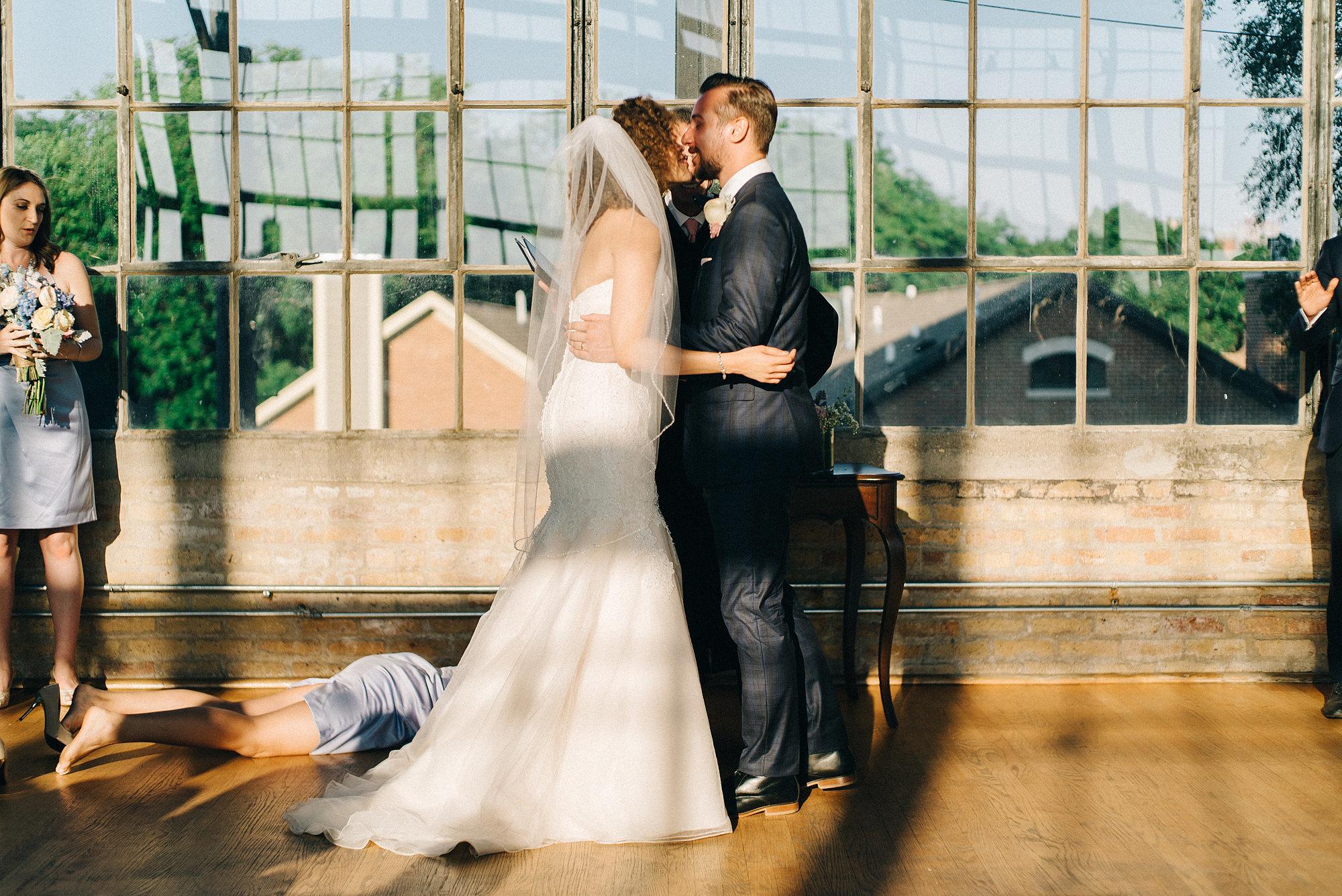 С невестой одни 2 фотография