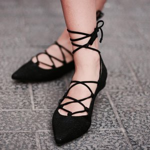 What to Wear With Black Flats