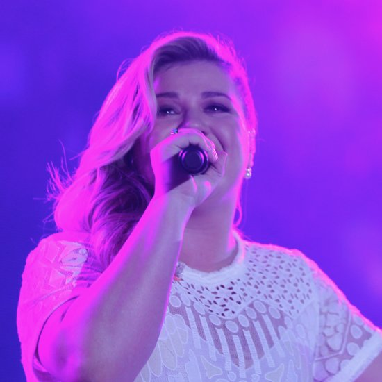 "Kelly Clarkson Covering Demi Lovato's ""Cool For the Summer"""