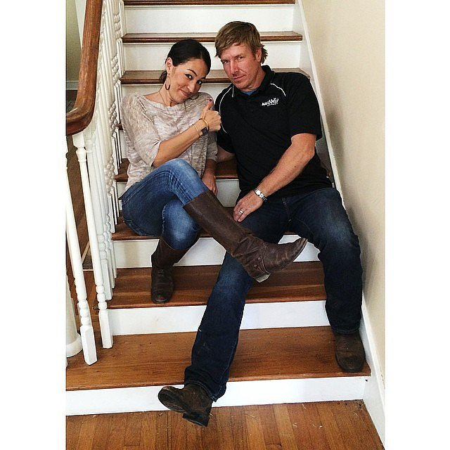 when does the season 3 fixer upper start