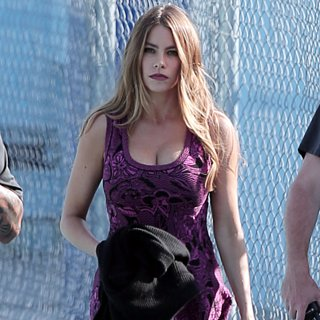 Sofia Vergara Back on Set For Modern Family