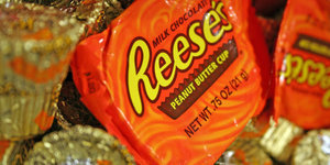 Your Definitive List of Gluten-Free Halloween Candy