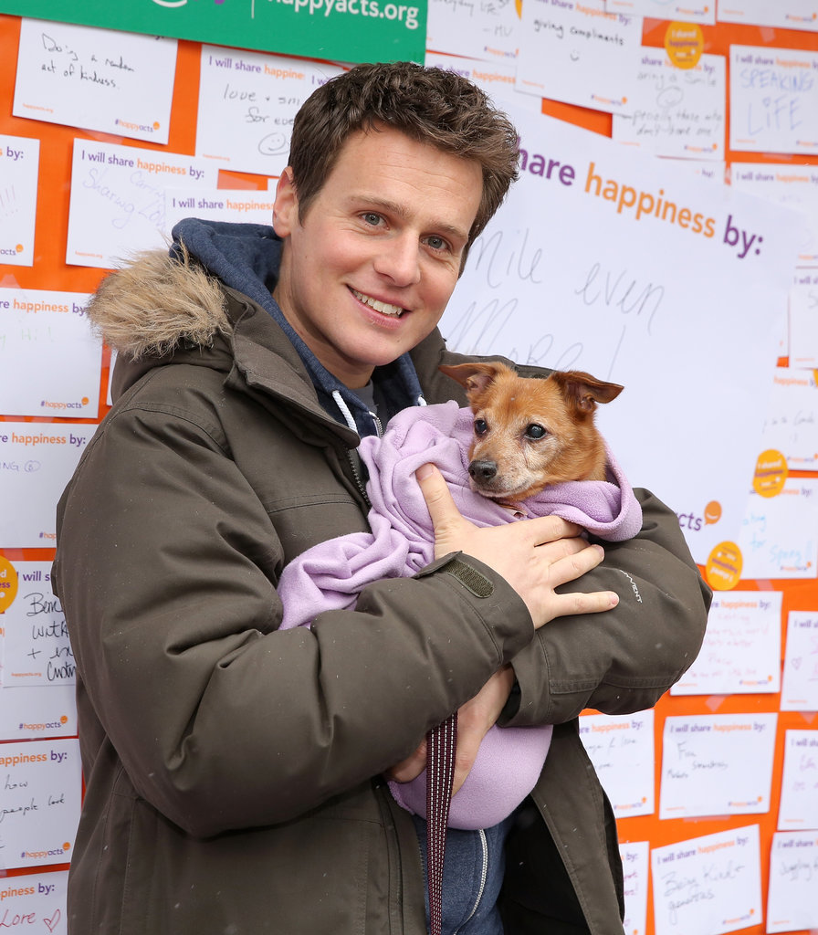 Jonathan Groff held a bundled-up dog at an NYC animal shelter in March 2015.