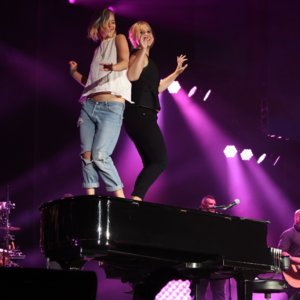 Jennifer Lawrence and Amy Schumer Dance on Stage Billy Joel