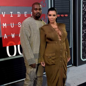 GIFs of Kanye West Pretending to Sleep at 2015 MTV VMAs
