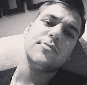 Rob Kardashian Kinda Smiles, Looks Great in New Instagram Selfie: Photo