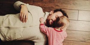 4 Telltale Signs You're Parenting Your Partner (Not Loving Him)