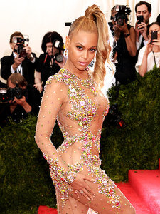 It's Beyoncé's Birthday! 10 Pics That Prove She's a Style Queen