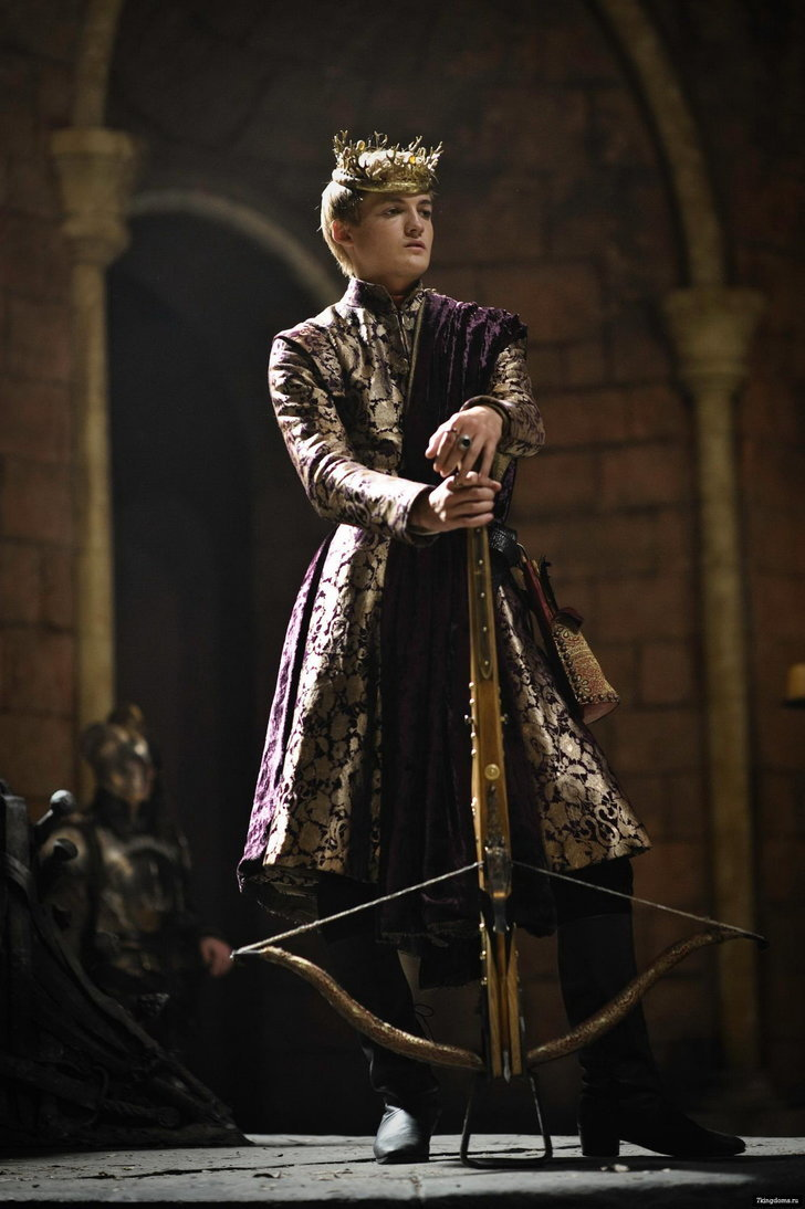 joffrey from game of thrones 450 pop culture halloween costume ideas popsugar entertainment. Black Bedroom Furniture Sets. Home Design Ideas