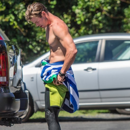 Chris Hemsworth Shirtless After Surfing Pictures